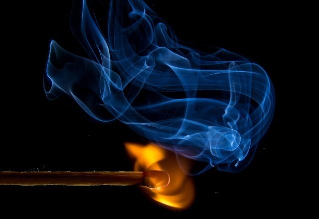 match fire-549103_1280