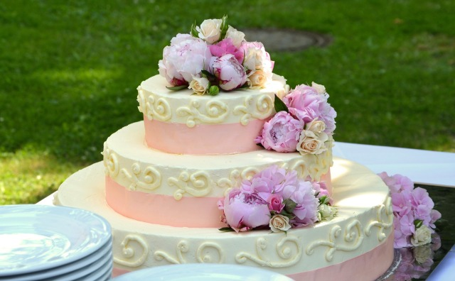 wedding-cake-639516_1920